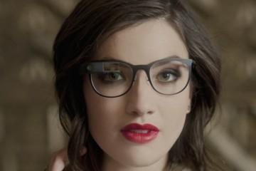 Google Glass chica