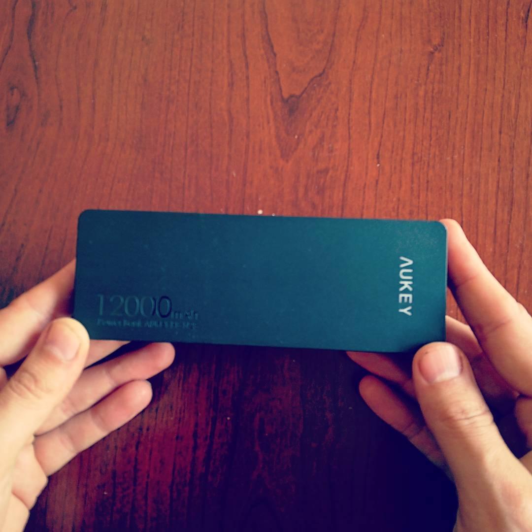 bateria externa de aukey 12000 mAh review
