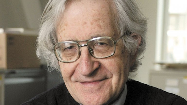 La dura crítica de Noam Chomsky a Google Glass