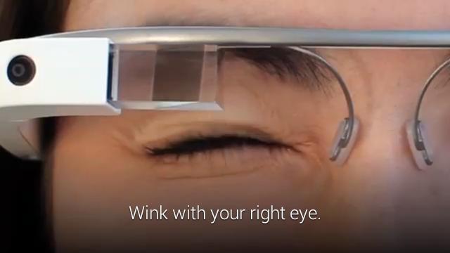 Google Glass se actualiza: mensajes de Hangouts, subir vídeos a Youtube y más…