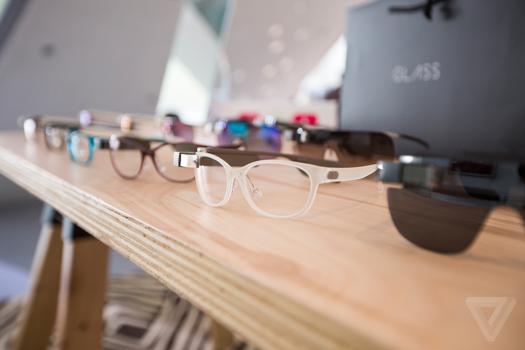 Diane von Furstenberg pone a Google Glass a la moda