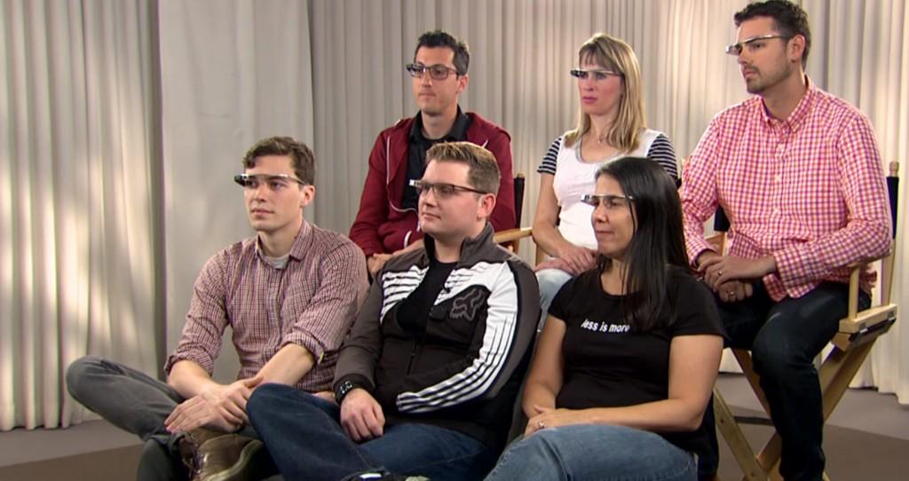 The Daily Show trollea hilarantamente a diferentes Glass Explorers2