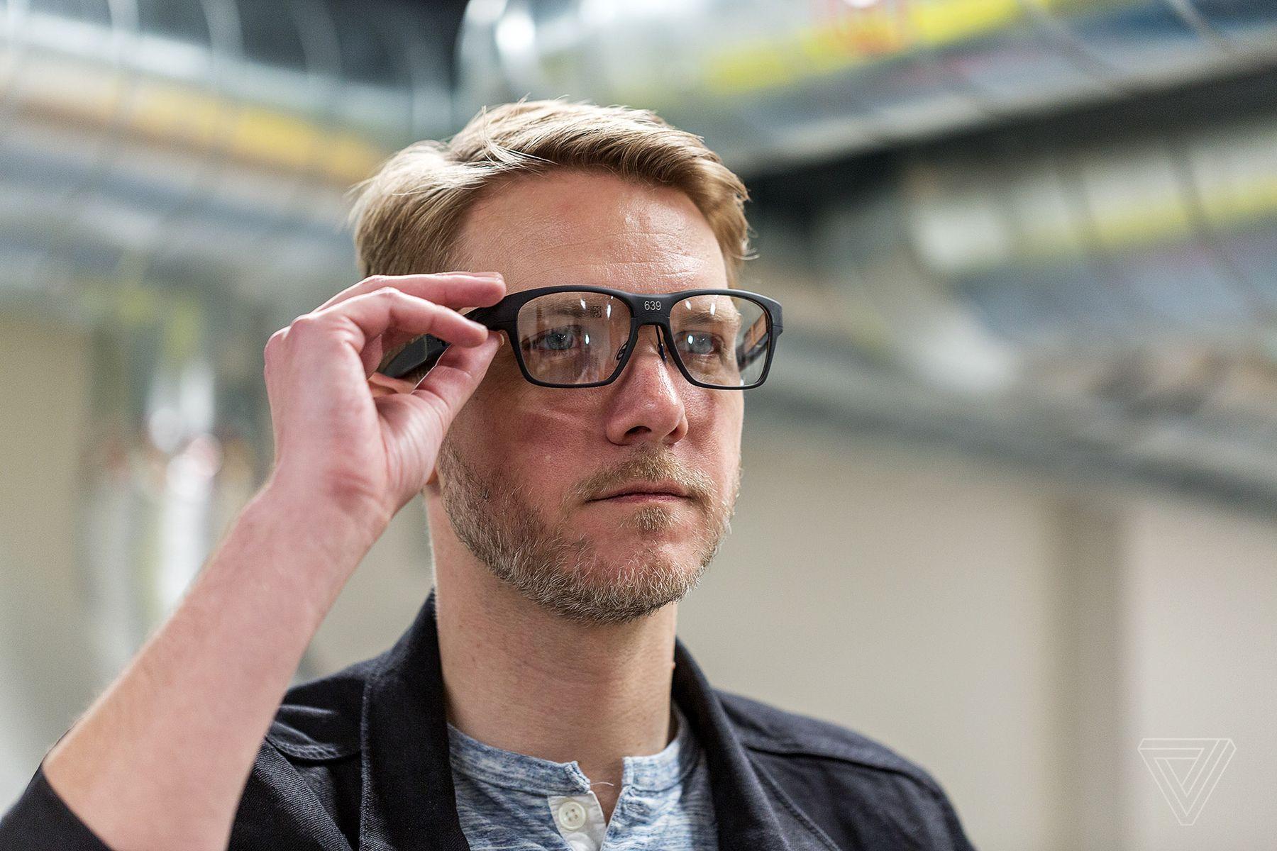 Vaunt, las gafas inteligentes de Intel se muestran por primera vez