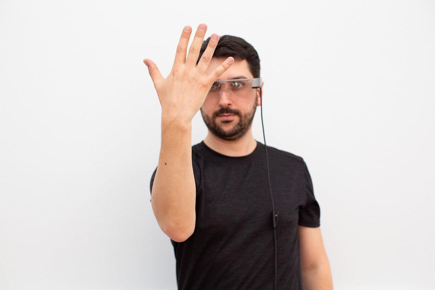 Epson agrega autenticación biométrica a sus gafas inteligentes gracias a Redrock Biometrics,